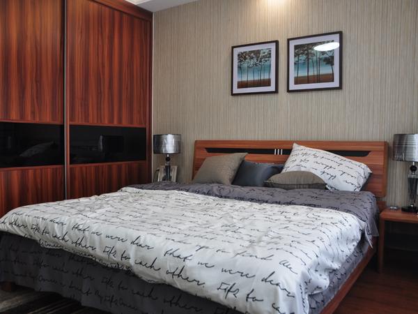两室一厅朝阳,精装修,家具家电齐全,拎包入住