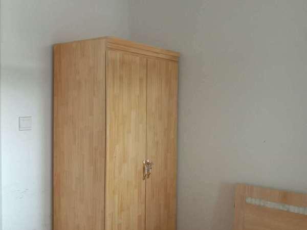 金柱大学城东苑 外国语文轩片区 电梯房 真实照片 三室 仅租1300元