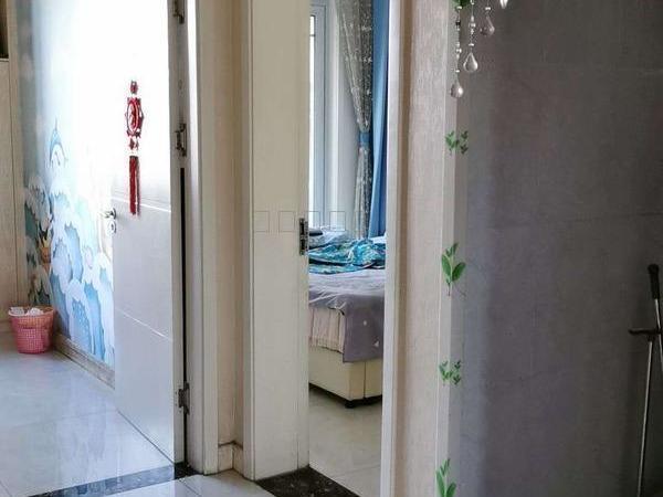 东昌丽都二期3室2厅2卫带地下室 精装修 位置好免税急急急