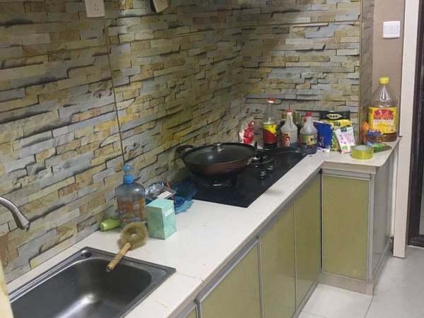 出租当代一室一厅精装修 随时看房 爱干净人士必不可少