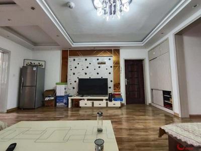 水城中学旁 中央公馆 电梯 三室一厅