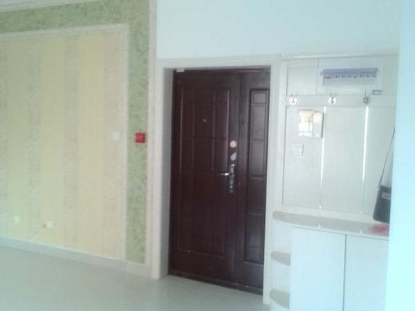 开发区裕昌大学城 3室2厅 家具家电齐全,随时看房