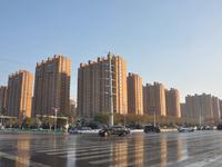 裕昌国际三室两厅 带车位家具出租