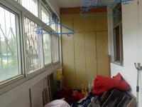 香江南邻 三里铺小区 多层二楼 三室朝阳 免大税可按揭 送地下室 看房方便
