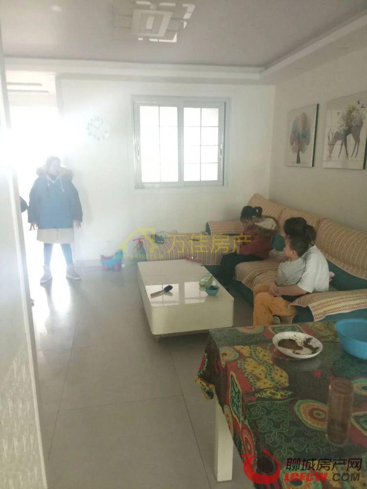 颐馨园小区高档小区 环境好 新房 可分期 带储藏室 3室户型