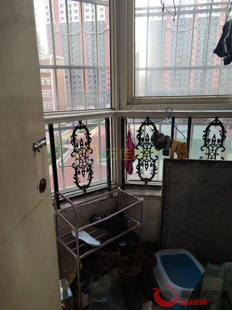星光小区 学区房 位置优 免费停车 带储藏室3室2厅户型
