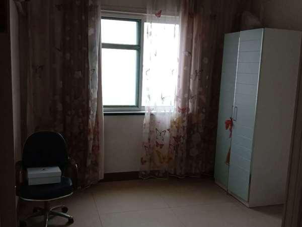 星海家园 市中心位置 大房子 精装修 学区房 家具家电齐全 拎包入住