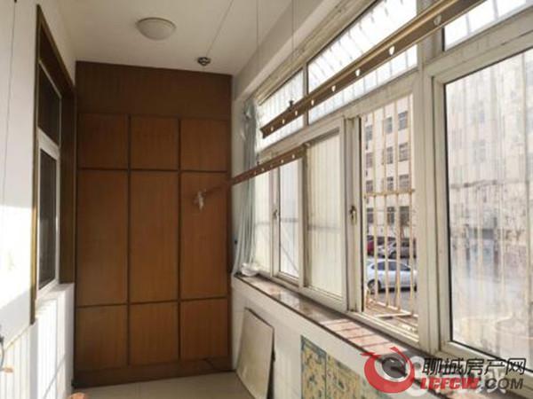 公安小区新出多层:三室朝阳、双阳台、免大税、个税、仅此一套、看房方便