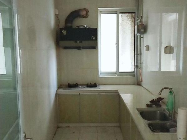 急售东昌丽都三居室 有证正常按揭首付 紧邻实验小学 脑科医院 有钥匙随时看房!