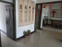 昌润路香江站北花园,中间楼层带储藏室诚心出售,看房方便,有证