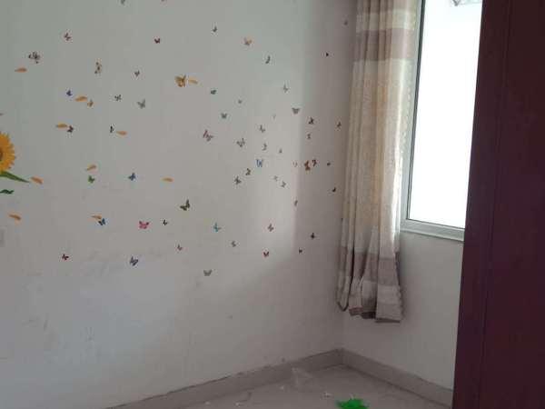昌润路 西湖馨苑 大小区 环境优 户型方正2室1厅朝阳正规3室性价比高
