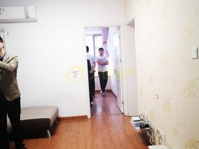月亮湾 学区房 高档小区 户型方正 无遮挡 看房子方便 免税