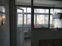 开发区实验小学东临东苑小区!三室两厅一卫精装修!免,税可按揭