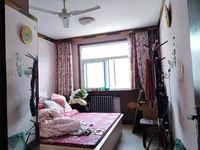 园东小区 大润发西邻 精装3室2厅 有储藏室 地上车库