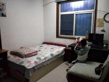 开发区东方家园 孝心一楼 地暖房 精装三居室 能分期