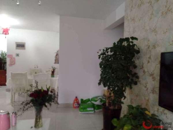 诚意出售阿尔卡迪亚三期光明学区房。精装两室。南北通透价格美丽随时看房。