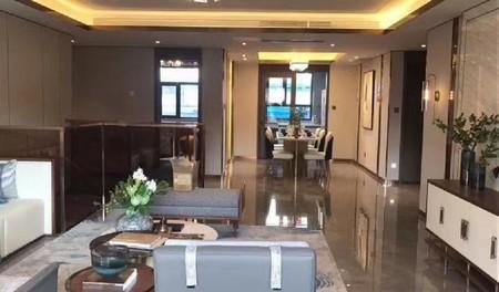 莲湖新城准现房精装4室送院子 可按揭