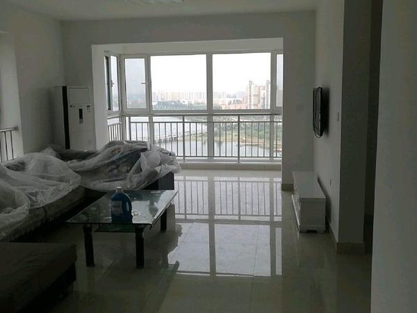 御景王宅22号楼最东户观景房,140平方,家具家电齐全,精装修