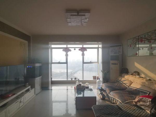 开发区转盘附近 电梯观景楼层 全明户型 边户 精装修 有证