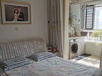 利民东路金柱大学城精装三室带家具家电中层可分期。