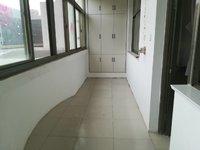 多层,95平米,婚房,三室,免大税,小区停车方便,赠20平米