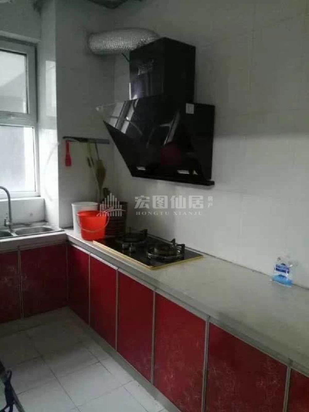 八里庙小区3室2厅1卫1500元月电梯房精装修