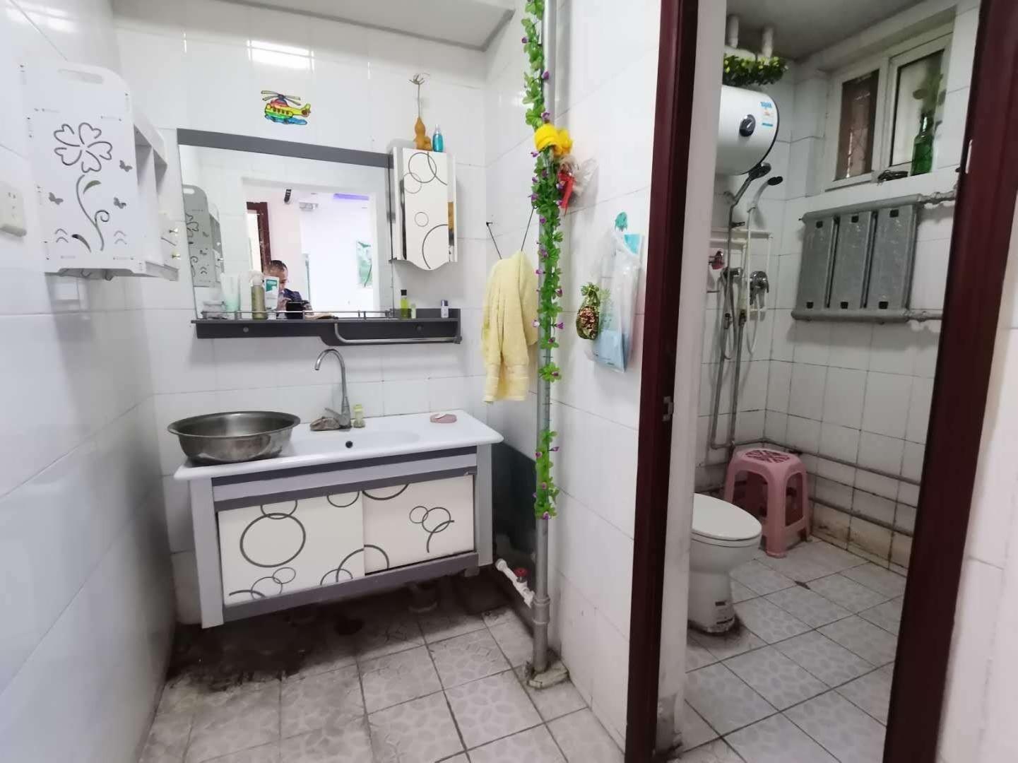 馨苑小区七中附近精装三室拎包入住