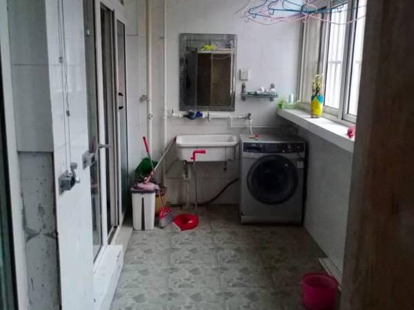 阳光小学 实验中学 满五 颐馨园房东急售孝心一楼带车库