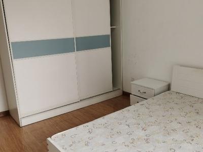 湖边 火车站 郁光小学附近 西湖馨苑 3室 拎包入住