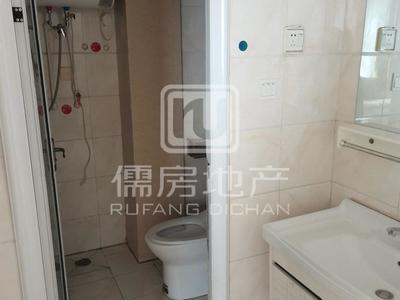 文轩附近裕昌国际 精装三室两卫 家具家电齐全 车位1800元
