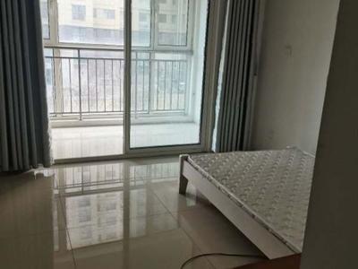 当代国际南临南苑新城,大4室家具齐全,拎包入住。