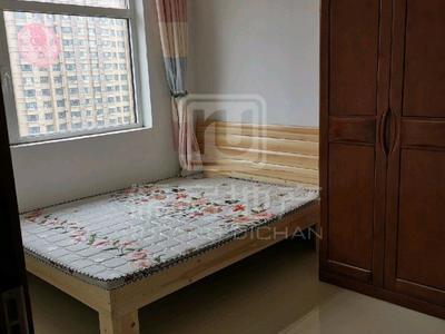 聊大东邻 裕昌国际 精装三室 家具家电齐全 干净舒适拎包入住
