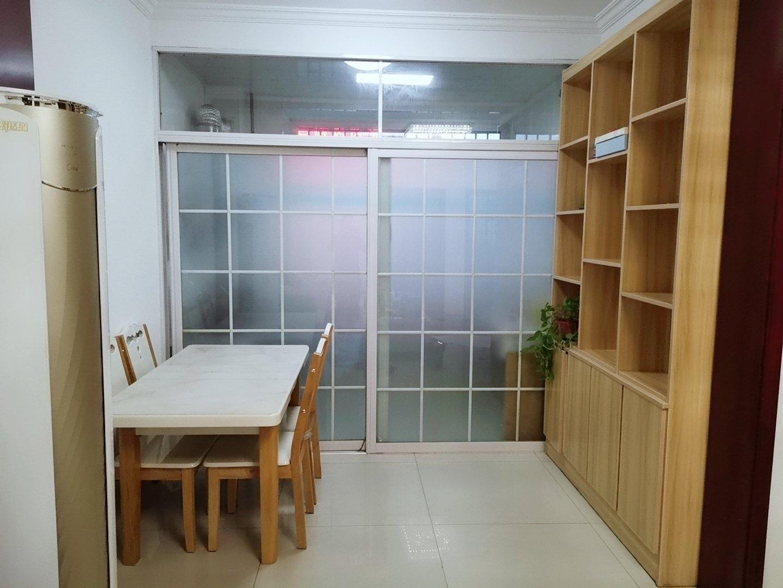 阿尔卡迪亚六期 3室2厅1卫 家具齐全