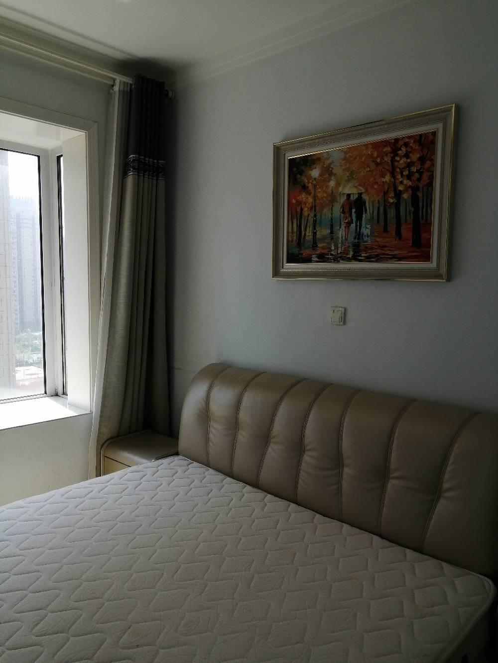昌润莲城精装三室两厅两卫出租,带车位,精装修,家具家电齐全