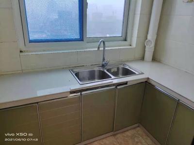 市中心中华御苑 海润公园 中间楼层东边户 精装三室