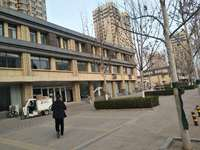 急售香江一期西一街 商铺 每平方四千多随时看房
