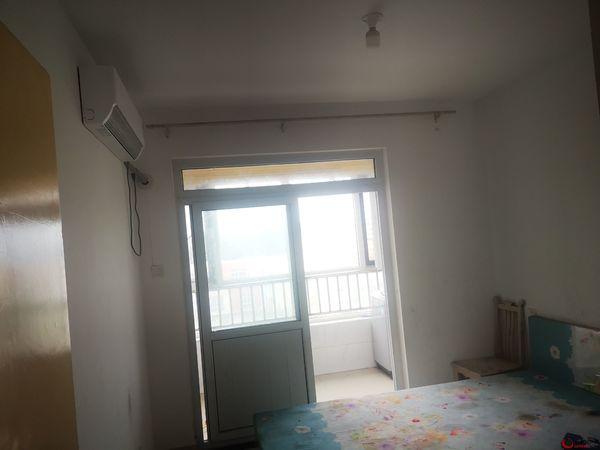 出租阿尔卡迪亚北区3室1厅1卫110平米1300元/月住宅