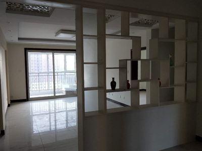 开发区南苑新城3室2厅2卫送车位地下室精装未住