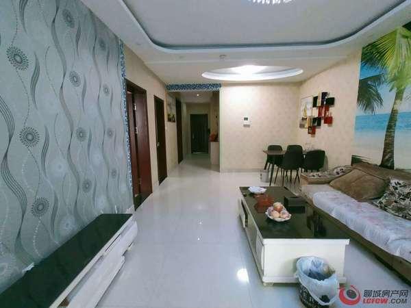 当代国际 精装修 送储藏室 家具家电 三室两厅一卫